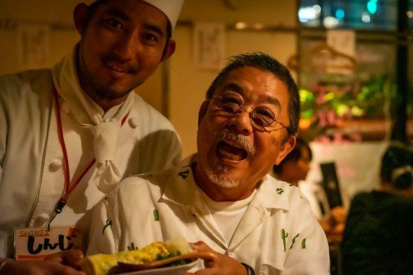 町田「チョップスティックカフェ」にて、シンジと厚焼き玉子とお父さん!